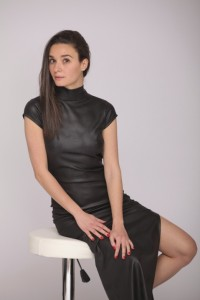 Nyitott hátú bőrhatású ruha-PR25